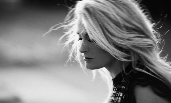 Miss Montreal boeken zangeres- burovoormuziek.nl