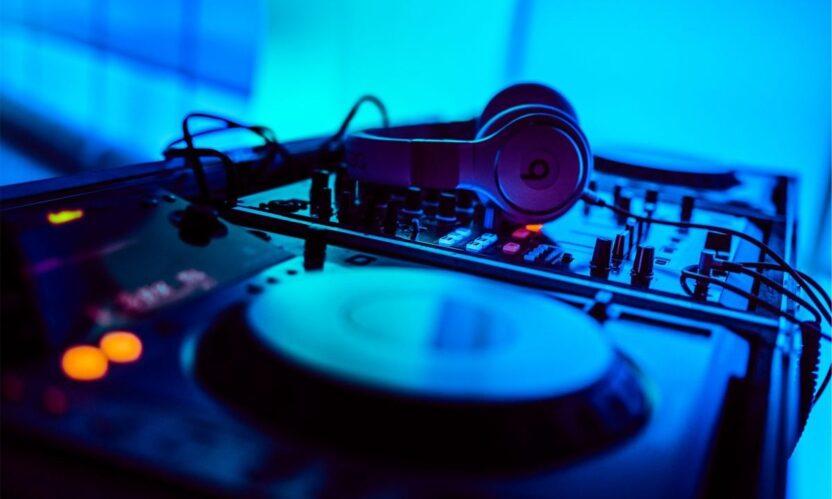 DJ's boeken bij Buro Voor Muziek